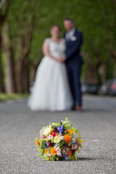 Bunter Brautstrauß auf einer Hochzeit in Kiel