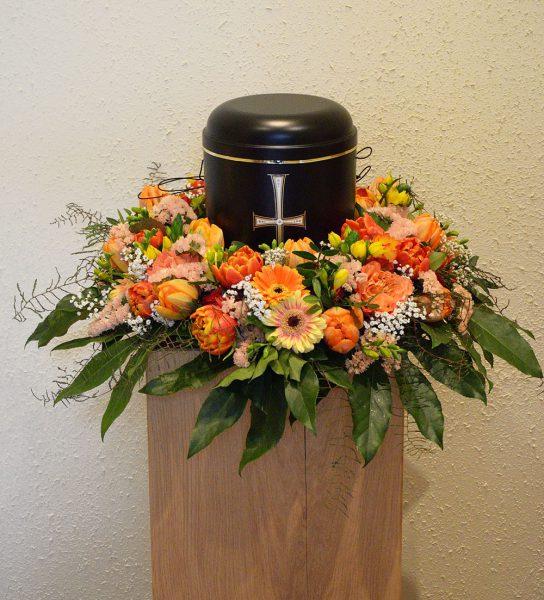 Blumenkranz Urne
