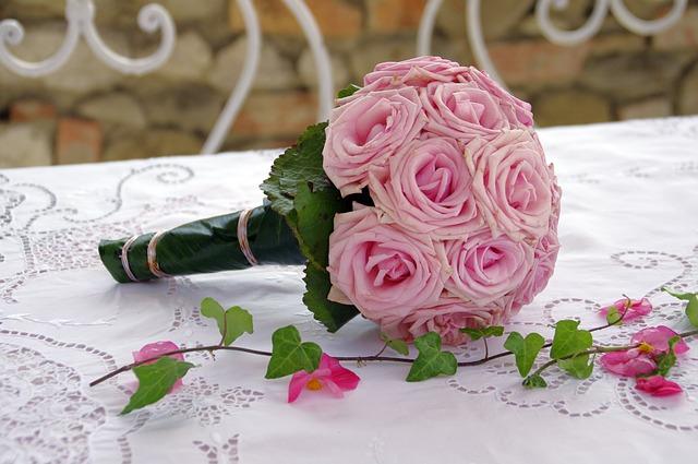 Brautstrauß mit rosa Rosen