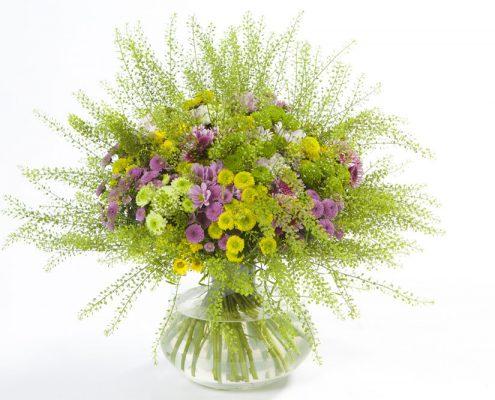 luftiger Blumenstrauß