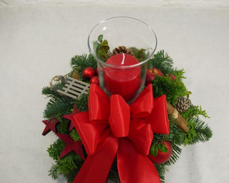 rot grüne Adventsdeko mit Windlicht