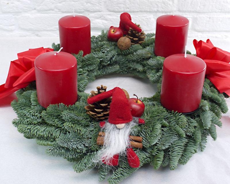 Adventskranz mit Wichteln, rot-grün