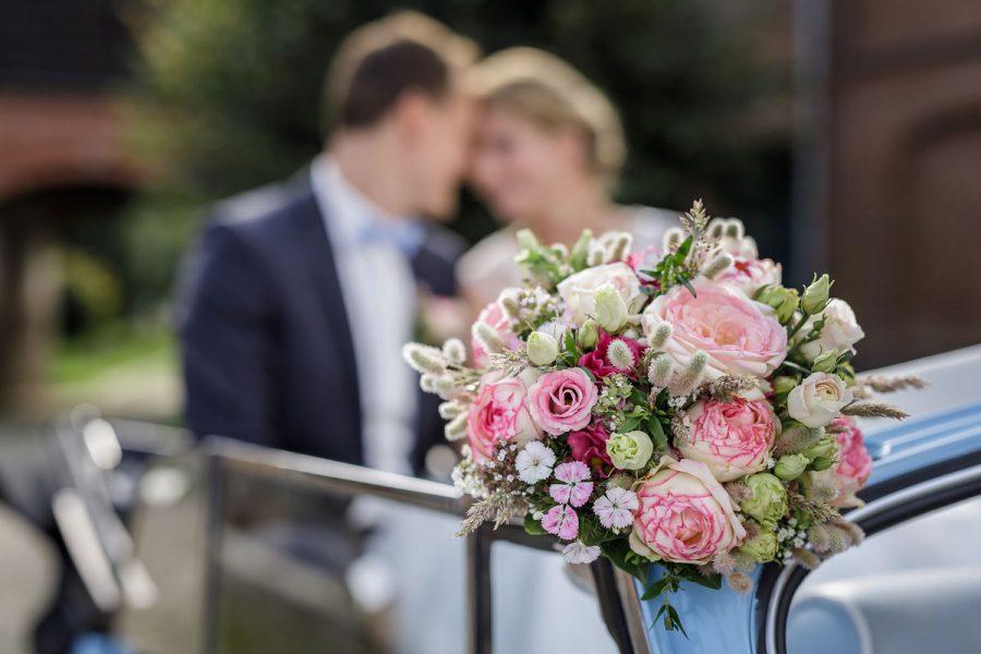 Brautstrauß mit Röschen