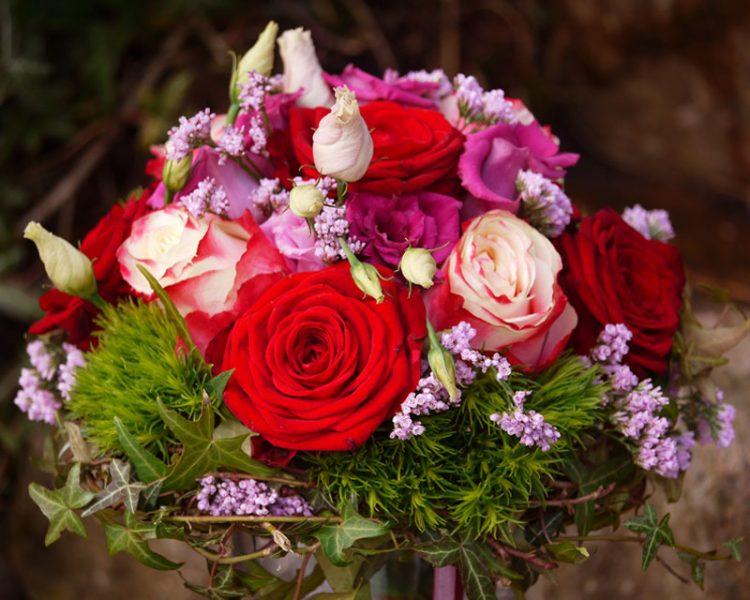 Brautstrauss mit roten Rosen