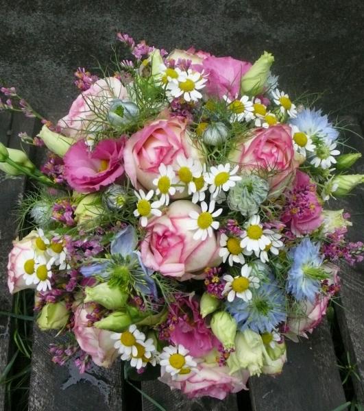 Brautstrauss Rose-Kamille