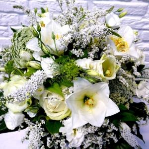 Weißer Blumenstrauß von Ihrem Florist in Kiel