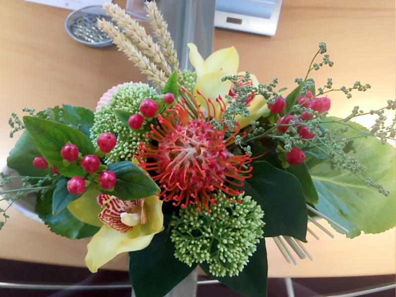 Blumendekoration Tischdeko