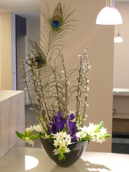 edle Blumendekoration für den Tresen