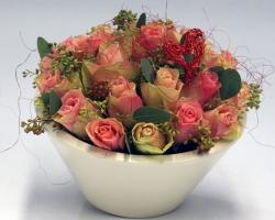 Rosenschale mit Herz