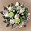 romantischer Blumenstrauss mit Rosen mit Biedermeierrosen, Schleierkraut und Schneeball